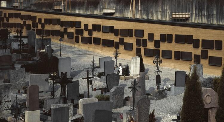 Urrn-Graves Cemetary (Innsbruck, Austria, Europa) / Renate Benedikter-Fuchs. Image © Laurin Naschberger