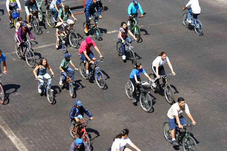 ¡Feliz Día Mundial de la Bicicleta!, © Colectivo Ecologista Jalisco, via Flickr. CC