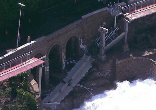 A Stretch of Rio de Janeiro's Tim Maia Bike Path Collapses, Image via Reprodução / Globo News