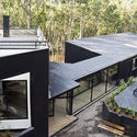 Casa Aguas Claras  / Alfredo Comandari