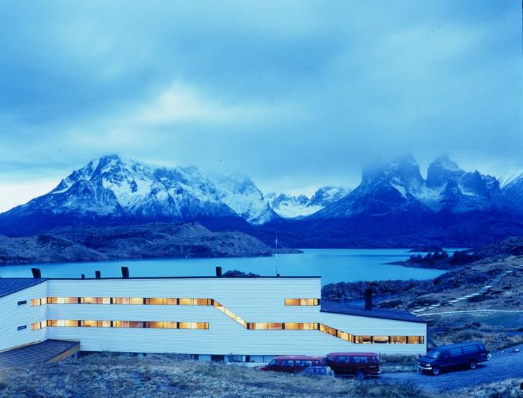 Explora Hotel in Patagonia / Germán del Sol + José Cruz, © Guy Wenborne