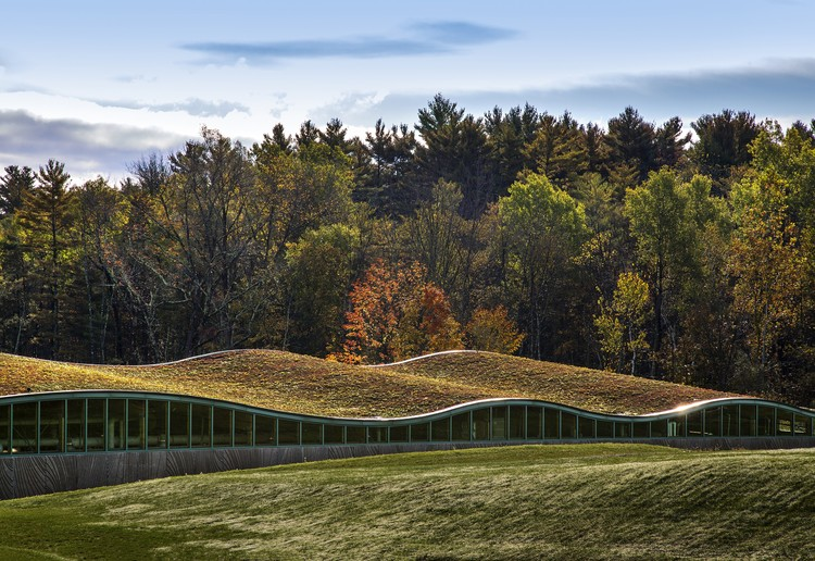 Hotchkiss Biomass Power Plant / Centerbrook Architects and Planners, © David Sundberg/Esto