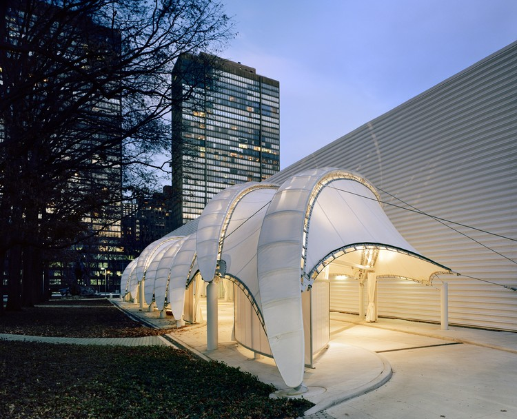 United Nations Porte Cochere / FTL Design Engineering Studio, © Woodruff/Brown Architectural Photography