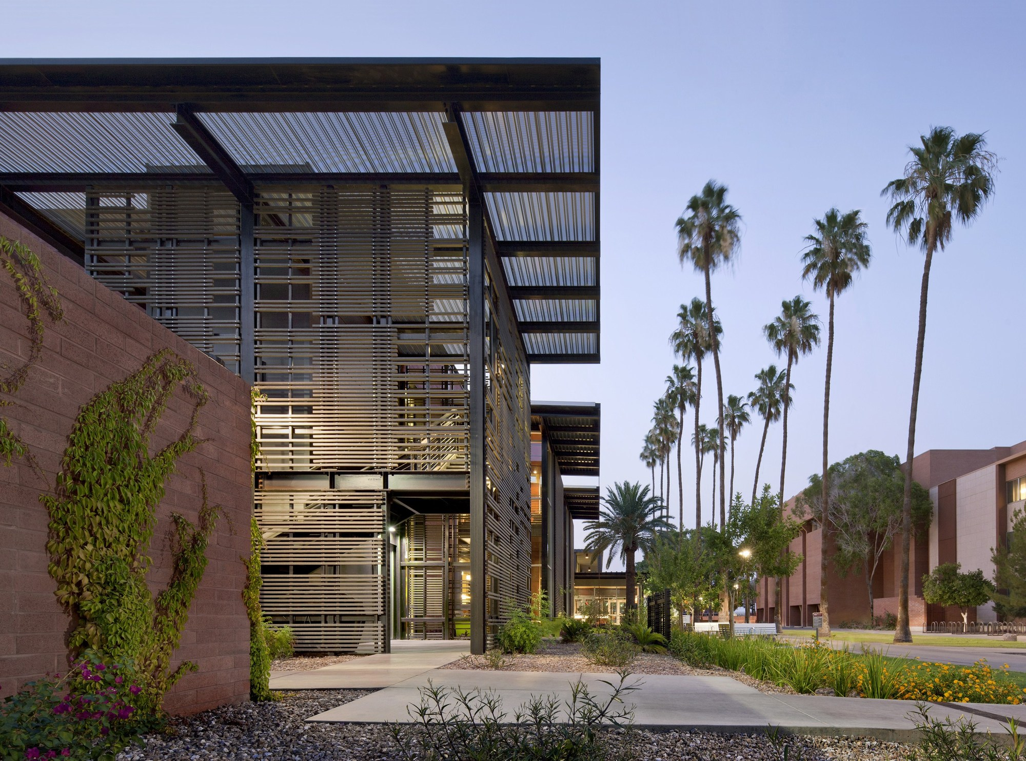 Asu health services building lake flato architects for Best material to build a house