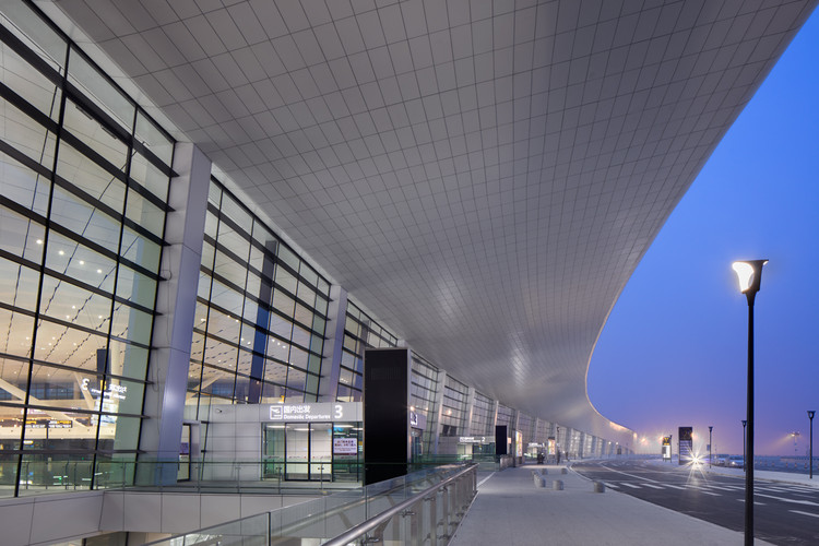 Zhengzhou Xinzheng International Airport Terminal 2 / CNADRI, Courtesy of CNADRI