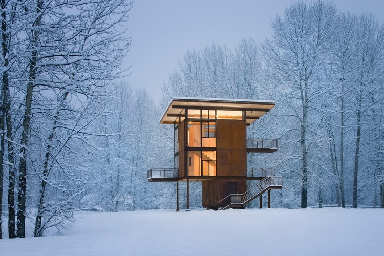 Delta Shelter / Olson Kundig Architects, Courtesy of Olson Kundig Architects. Image © Benjamin Benschneider
