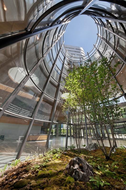 Open Foyer University : New hospital tower rush university medical center