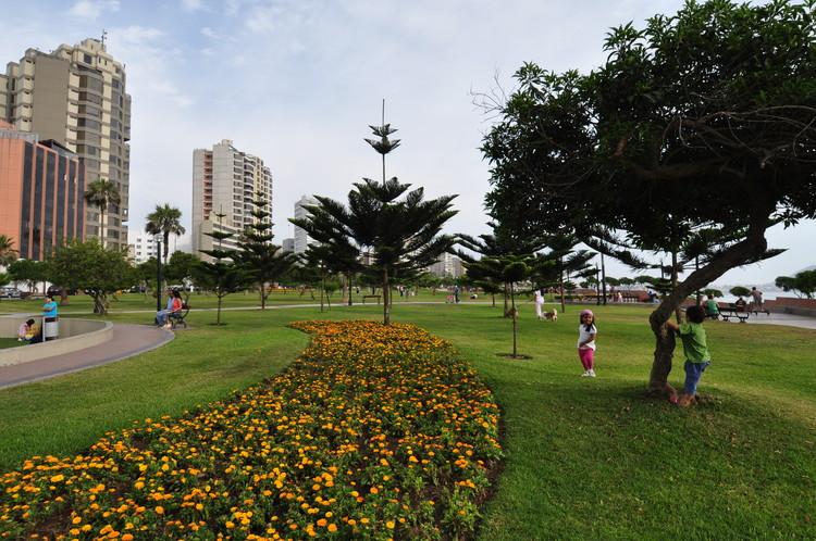 Malecón Cisneros. Image vía Municipalidad de Miraflores