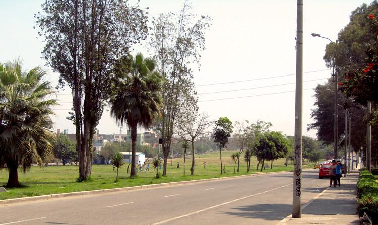 Pampa urbana Los Próceres. Image Cortesía de Bermy Urrutia Gonzales