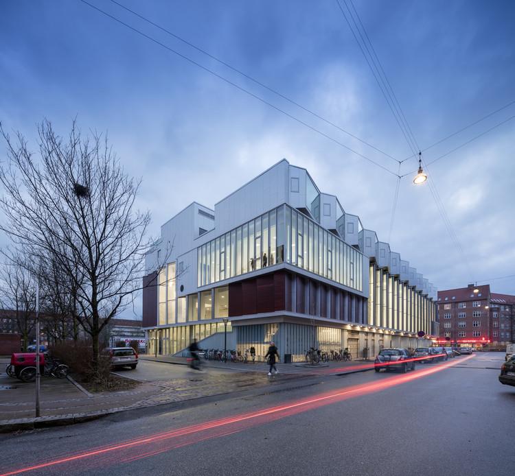 SH2-Sundbyoster Hall II  / Dorte Mandrup Arkitekter , © Adam Mørk