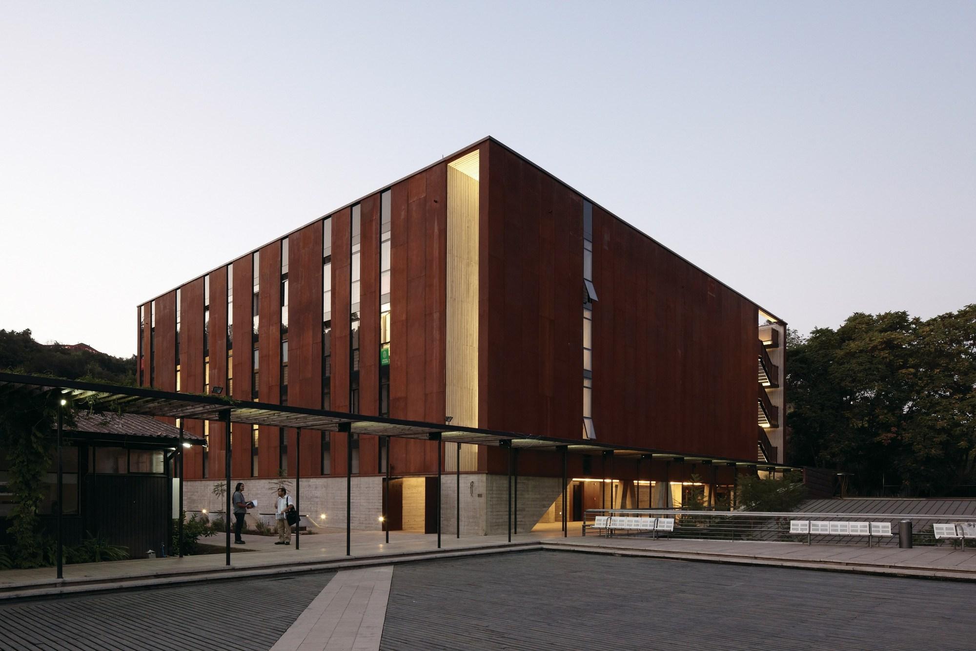 Escuela de dise o e instituto de estudios urbanos p for Mapa facultad de arquitectura