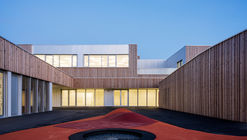 School Group in France / rouby hemmerlé architectes