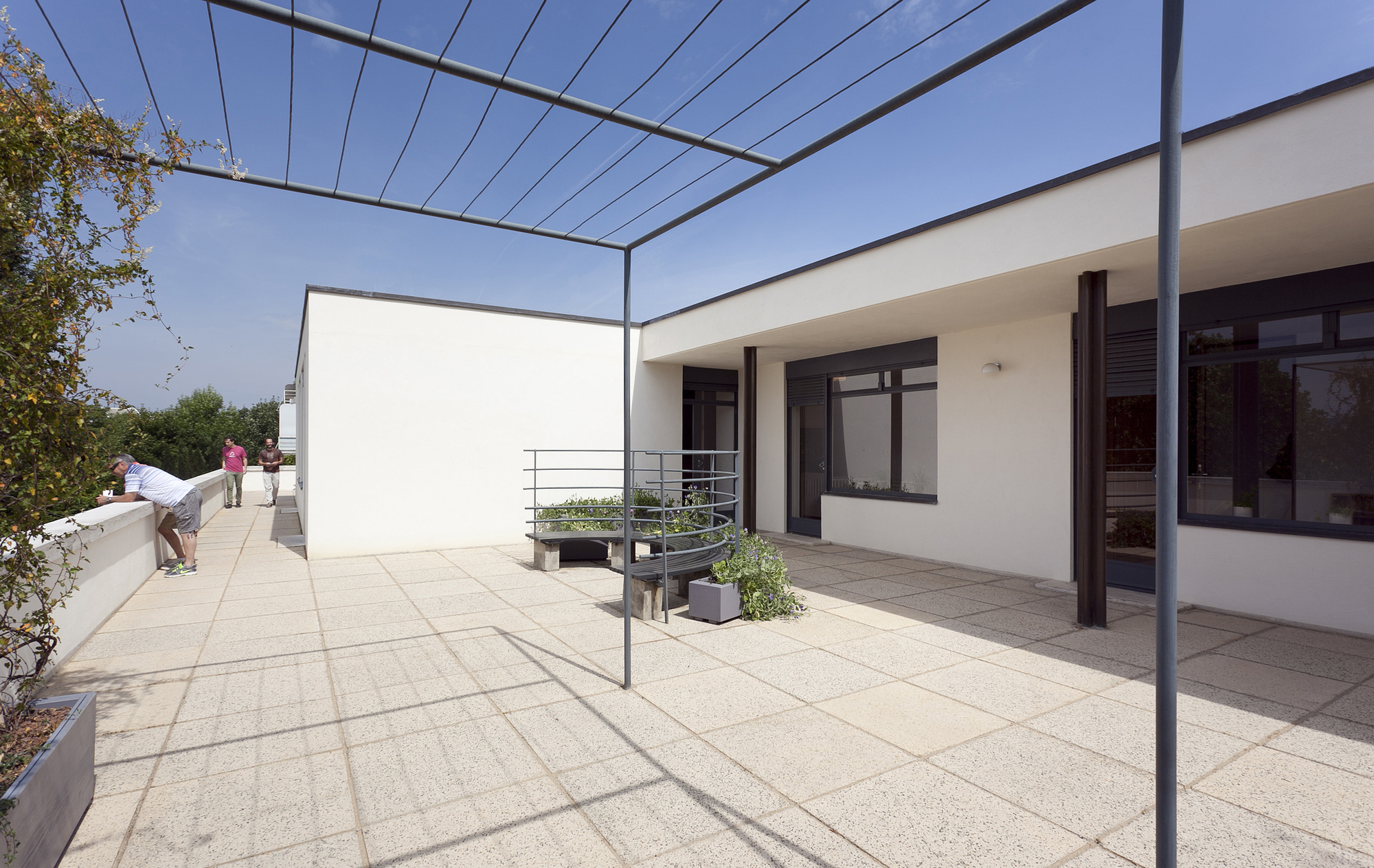 gallery of ad classics villa tugendhat mies van der rohe 24. Black Bedroom Furniture Sets. Home Design Ideas