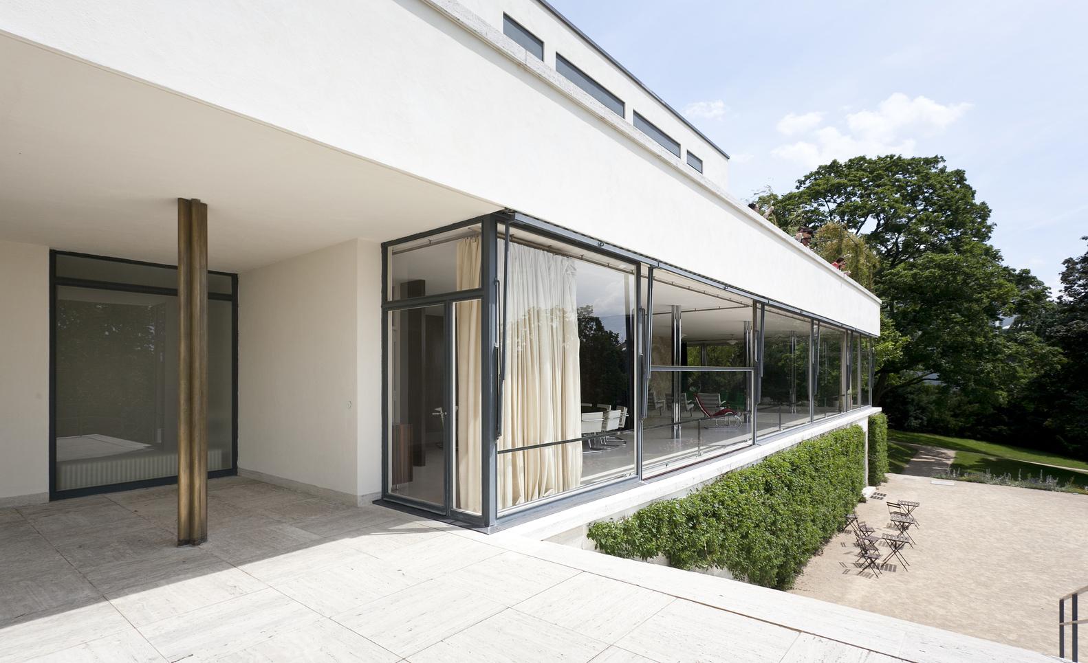 gallery of ad classics villa tugendhat mies van der rohe 22. Black Bedroom Furniture Sets. Home Design Ideas