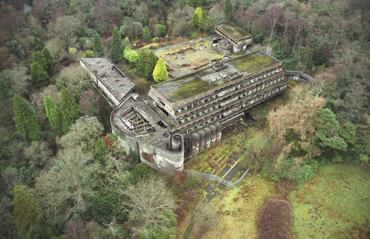 Brutalism and Culture: How St Peter's Seminary is Already Shining in its Second Life, Built in 1966, St. Peter's Seminary is hidden away in a forest 20 miles outside Glasgow. Image Courtesy of Courtesy Tom Kidd / Almay via Metropolis Magazine