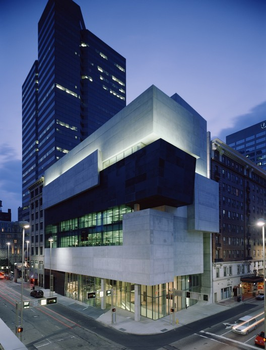AD Classics: Rosenthal Center for Contemporary Art / Zaha Hadid Architects, © Roland Halbe