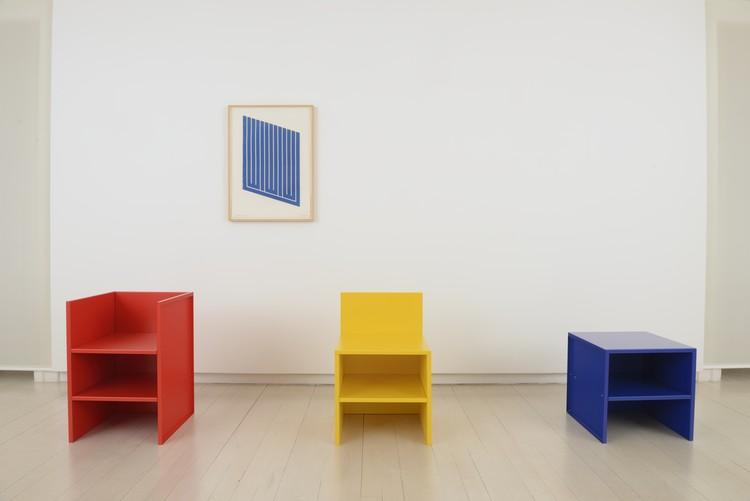 Muebles y Grabados Donald Judd / Galería Elvira González, Cortesía de Galería Elvira González