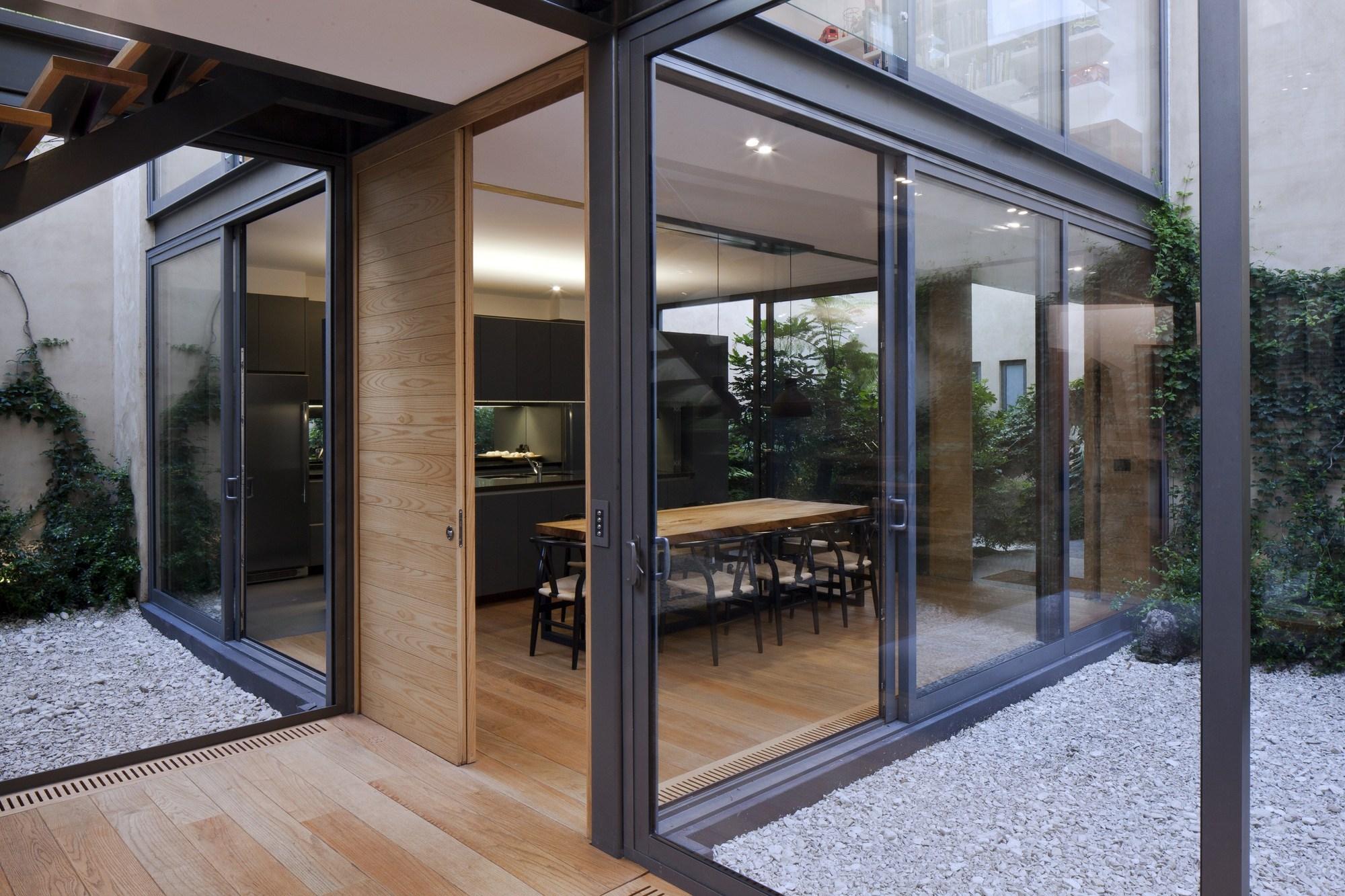 Galer a de casa de los cuatro patios andr s stebelski - Casas estructura metalica ...