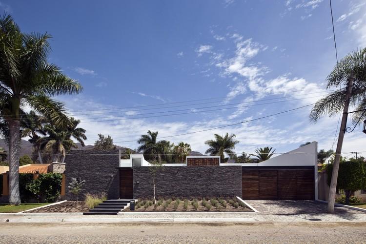 Studio house on chap lico sea ars atelier de - Casas en el mar ...