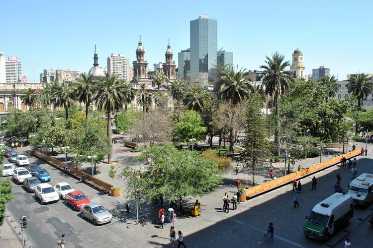 Plaza de Armas de Santiago, Chile. Image © Apincheira, vía Wikimedia Commons