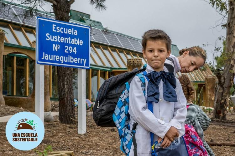 © Una Escuela Sustentable [Fan Page] / Lorena Presno