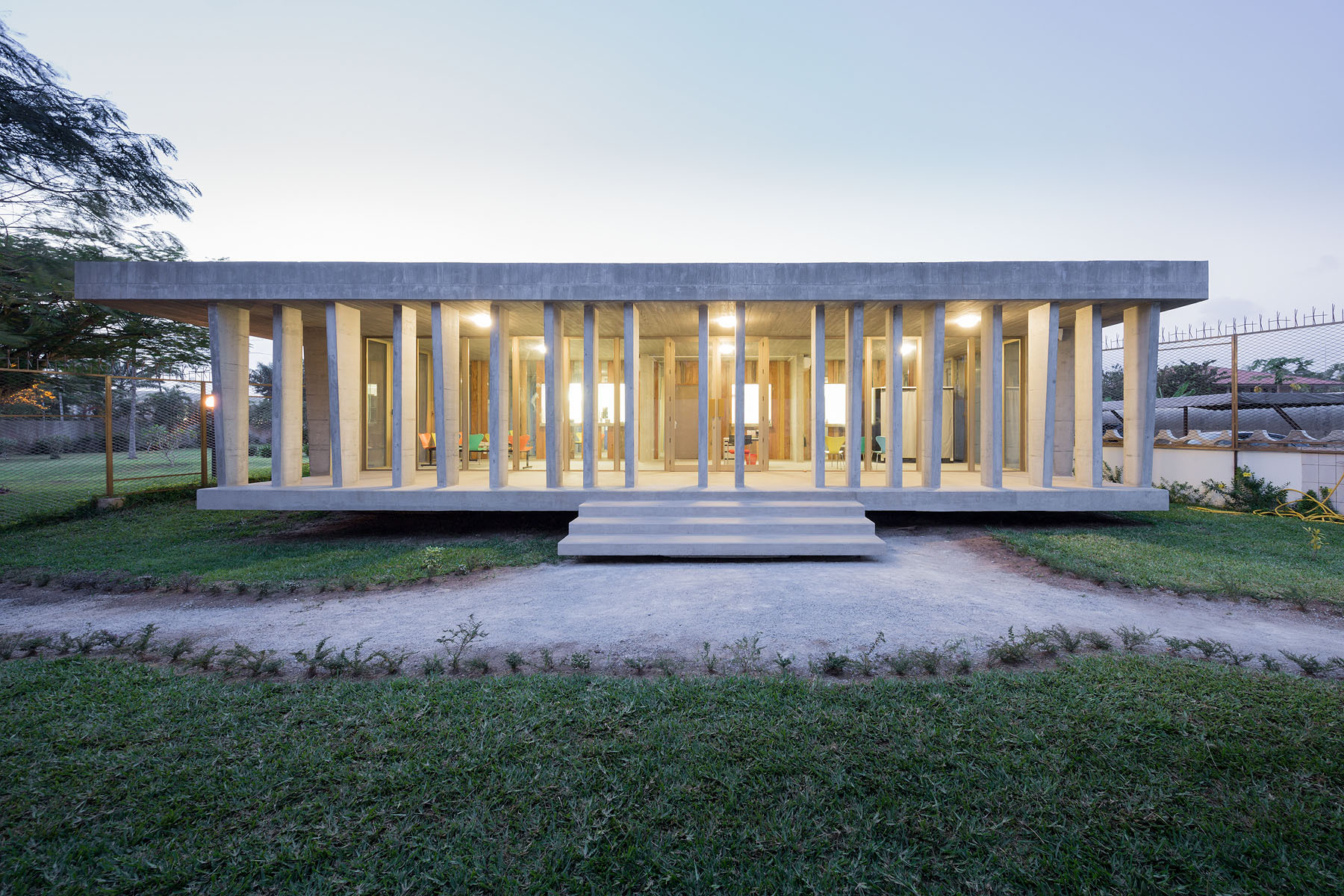 Swiss embassy localarchitecture archdaily - Cabinet d architecture abidjan ...