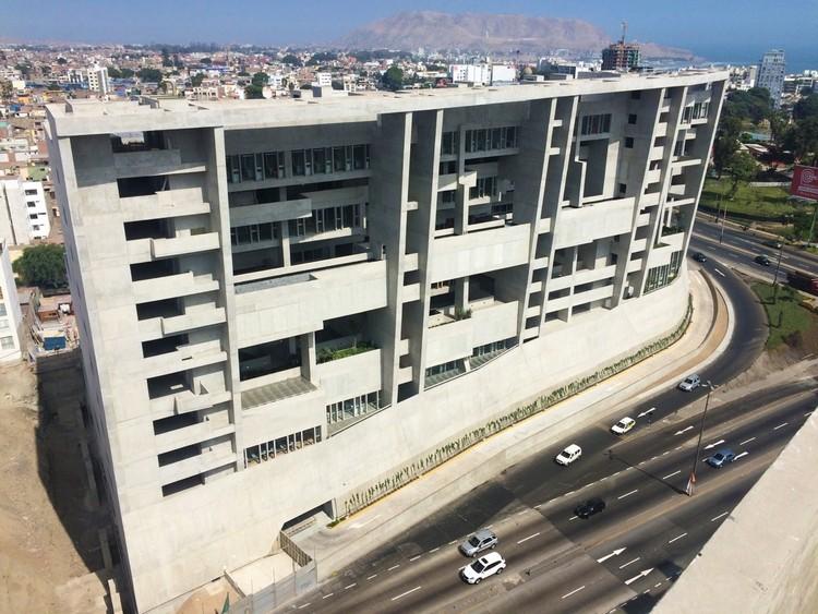Universidad de Ingenieria y Tecnologia de Lima (UTEC) entre los finalistas del primer premio internacional de la RIBA, Universidad de Ingeniería y Tecnología - UTEC Nueva sede / Grafton Architects + Shell Arquitectos. Image © Shell Arquitectos