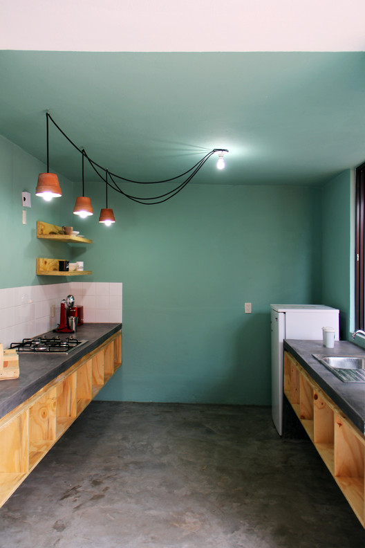 Guarda Vertical Baño:Casa Tadeo / Apaloosa Estudio de arquitectura y diseño