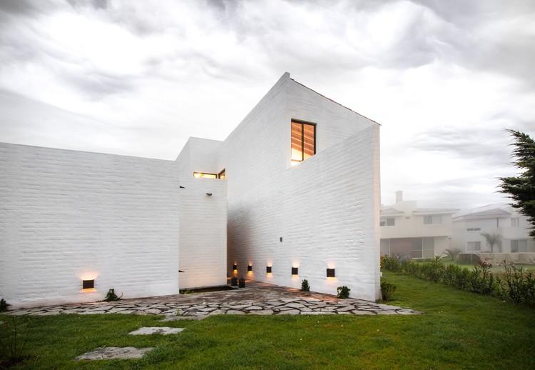 Eucaliptos House / MO+G taller de arquitectura, © Fabrica de Arquitectura (Miguel Valverde Hernández y Helmer Murayama Caro)