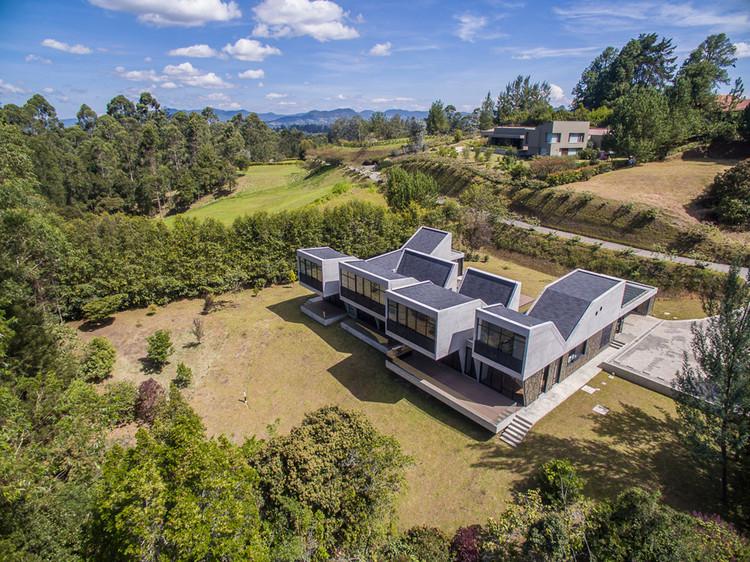 Casa en Llano Grande / Plan:b arquitectos, © Alejandro Arango