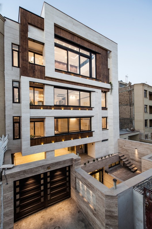 House NO:2  / SarSayeh Architectural Office, © Farshid Nasrabadi
