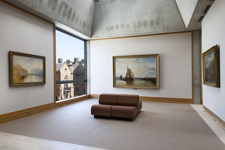Yale Center for British Art, fourth  oor, Turner Bay following rein- stallation. Image © Richard Caspole