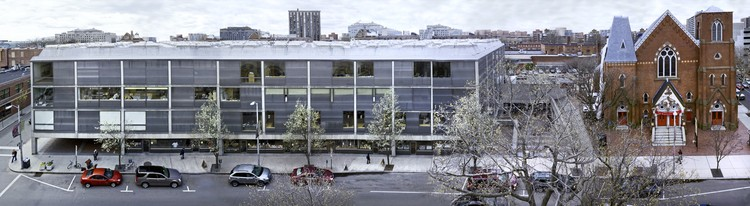 Yale Center for British Art, panoramic exterior view (spring). Image © Richard Caspole