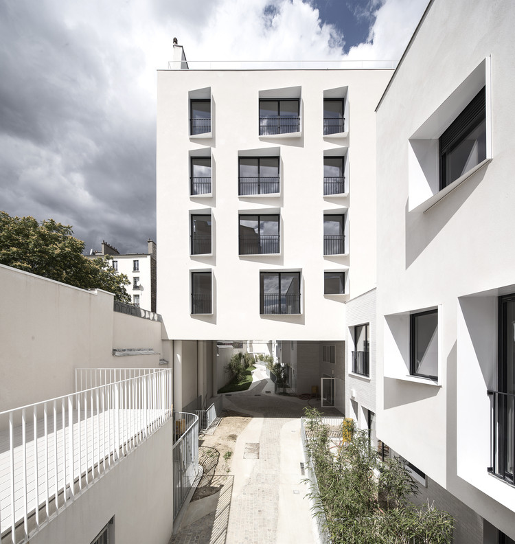 33 New and Rehabilitated Housing Units / Antonini + Darmon Architectes, © Luc Boegly