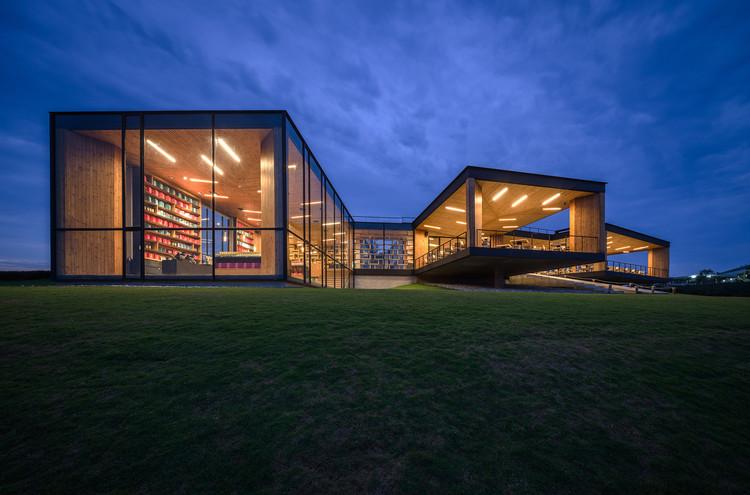 Choui Fong Tea Cafe / IDIN Architects, © Spaceshift Studio