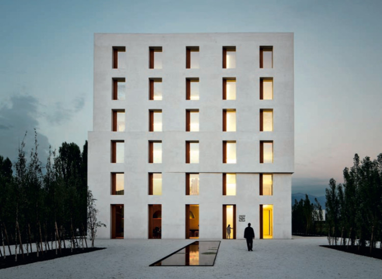 Edificio de oficinas / Baumschlager Eberle. Lustenau, Austria (2013) © archphoto / eh+il