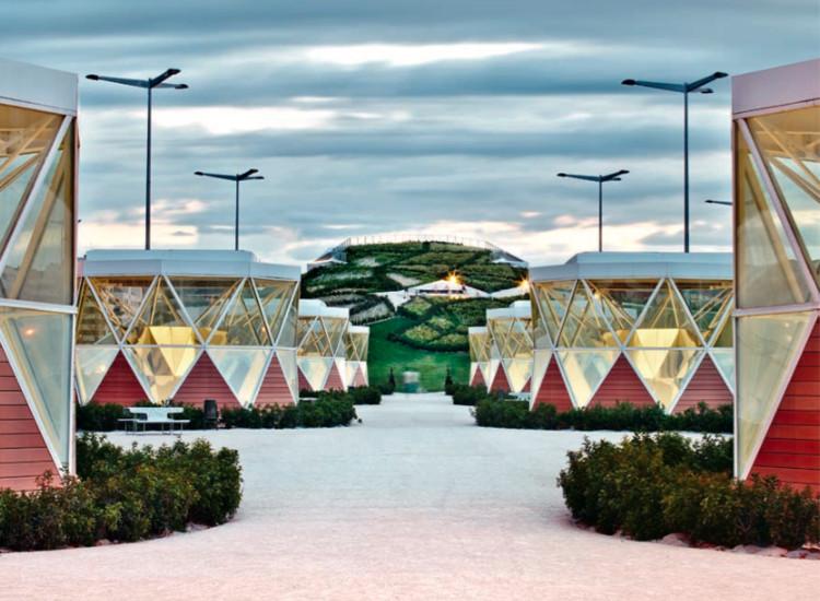 Estación intermodal y parque urbano / Ábalos y Sentkiewicz. Logroño, España (2012) © José Hevia