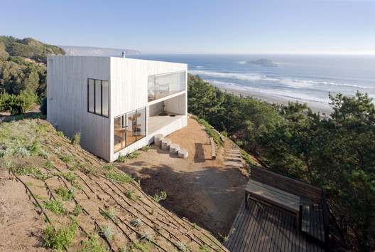 House D / PANORAMA + WMR