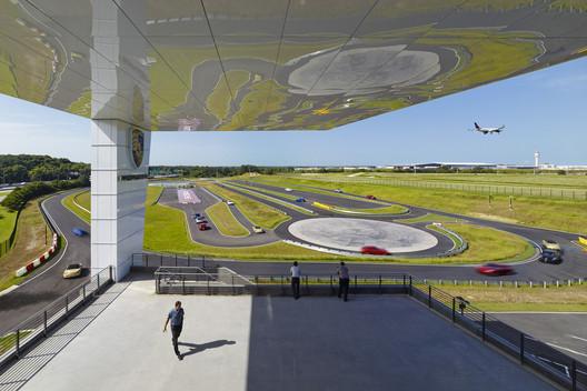 Porsche North America Experience Center and Headquarters / HOK