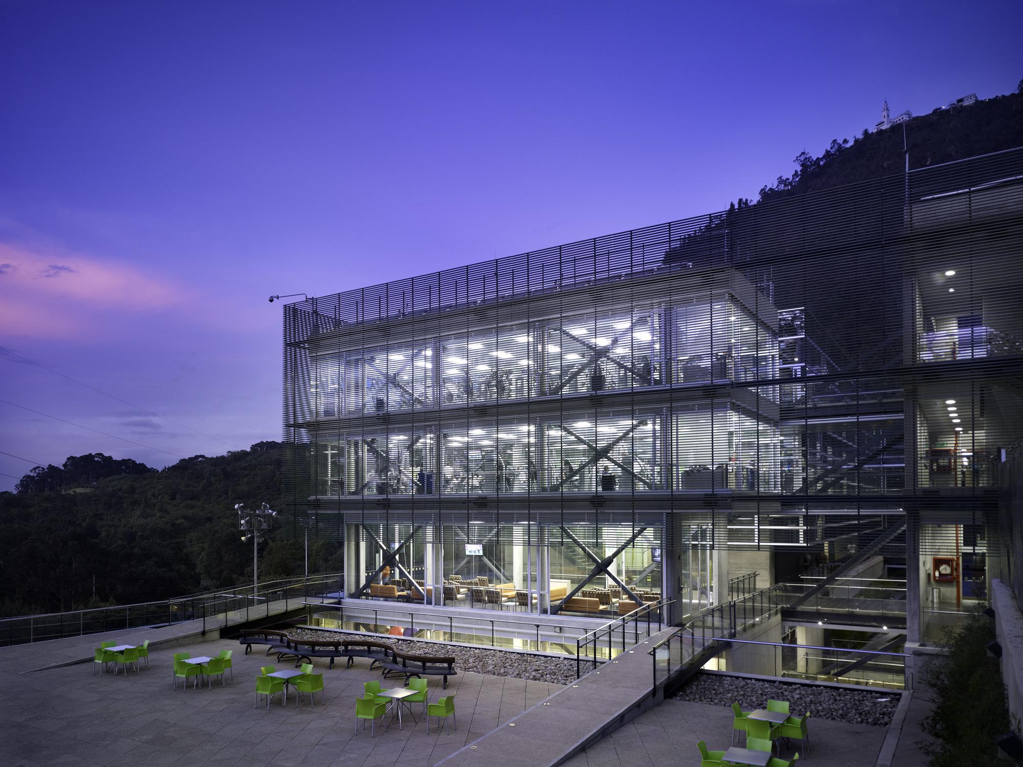 centro deportivo universidad de los andes mgp
