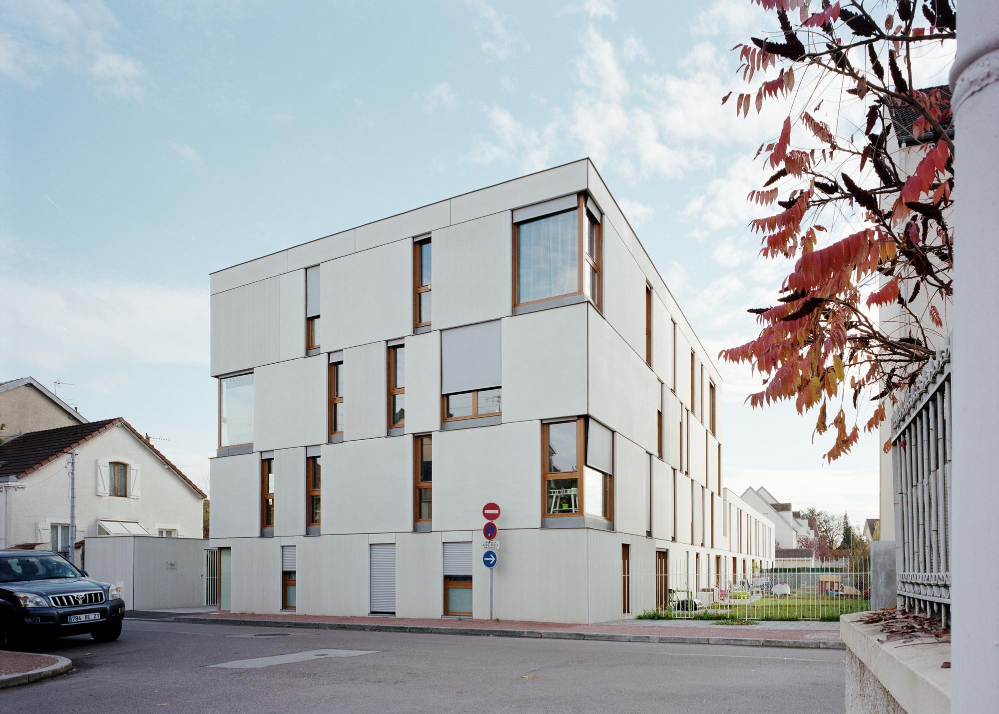 Dijon concrete housings ateliers o s architectes archdaily for Dijon architecture