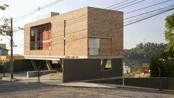 Estudios Terra / Arquitetos Associados