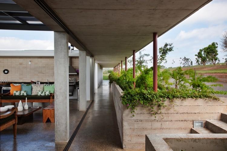 Fs house andrade morettin arquitetos associados archdaily for Andrade morettin