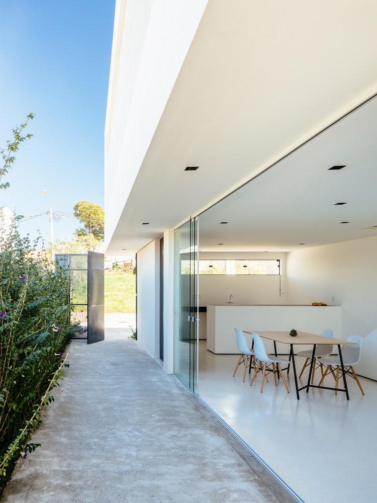 Gallery of sorocaba house estudio bra arquitetura 4 for Plantas de casas minimalistas