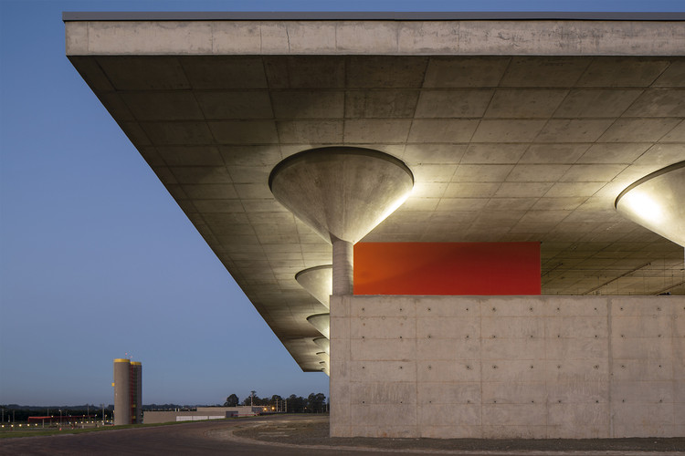 Santander Datacenter / LoebCapote Arquitetura e Urbanismo , © Leonardo Finotti
