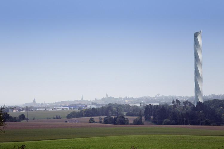 La torre de prueba de ThyssenKrupp en Rottweil, Alemania, se encuentra actualmente bajo construcción. Será el sitio de prueba para el sistema MULTI cuando se haya completado en el año 2016. Imagen cortesía de ThyssenKrupp