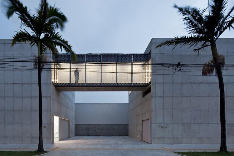 New Leme Gallery / Paulo Mendes da Rocha + Metro Arquitetos Associados, © Leonardo Finotti