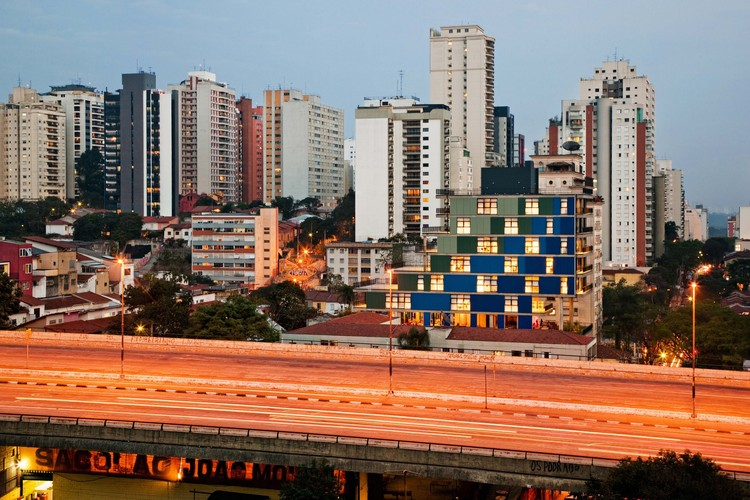 Edificio João Moura / NITSCHE ARQUITETOS, © Nelson Kon