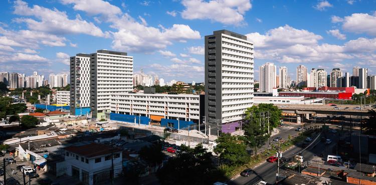 Conjunto Habitacional Jardim Edite  / MMBB Arquitetos + H+F Arquitetos, © Nelson Kon