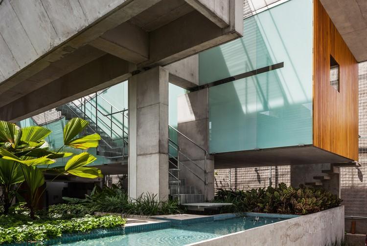 Casa de Fin de Semana en el centro de São Paulo / spbr arquitetos, © Nelson Kon
